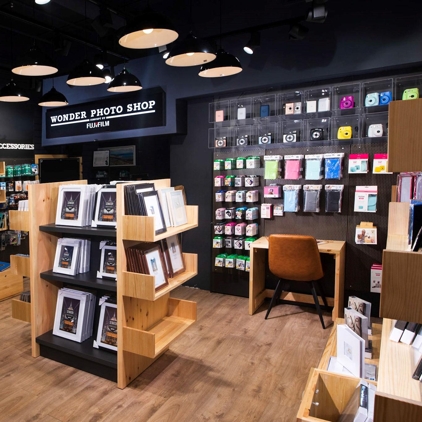 Wonder Photo Shop Instax Wall